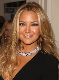 How amazing does Kate Hudson's spray tan look?! She definitely got her exfoliating in beforehand.
