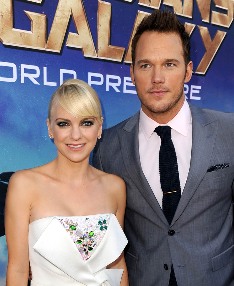 Like we said, couples that spray together, stay together!  Chris Pratt has admitted that he looks best with a spray tan!