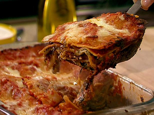 0125815_02_serving-lasagna_s4x3_lg.jpg
