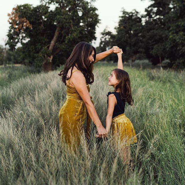 One of my oldest friends and her sweet Evangeline from the cover of this month's @enjoysanjoaquinvalley 🌾✨