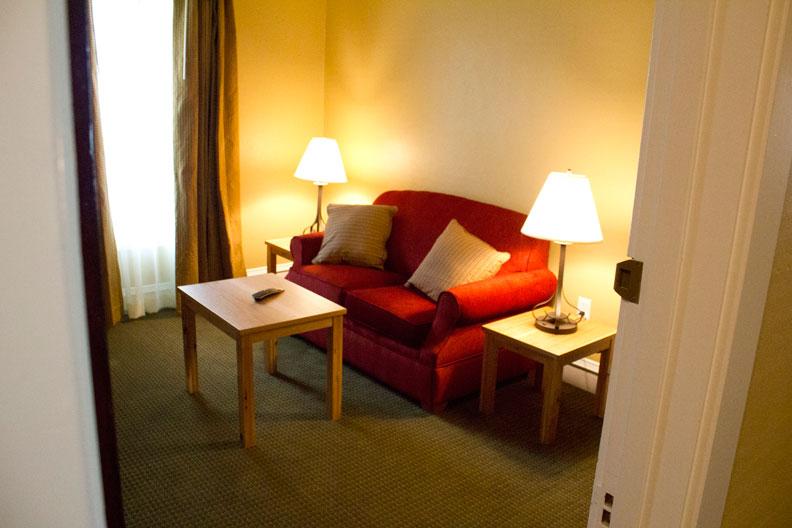 Sitting_Room_1.jpg