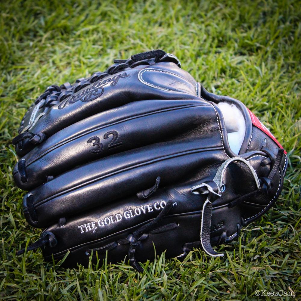 Ryan Vogelsong Glove