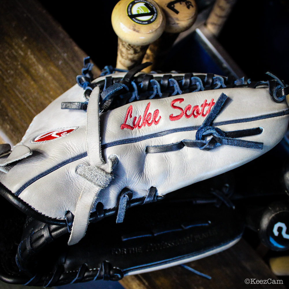 Luke Scott Glove