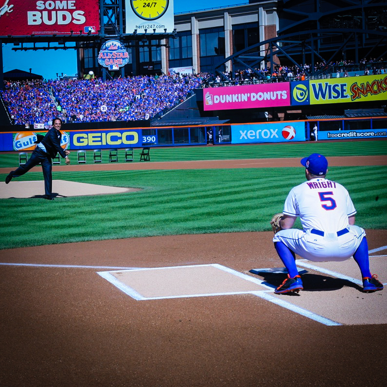 From one Mets Hall of Famer to another future Hall of Famer Piazza to Wright  Photo by: Hector Algarroba