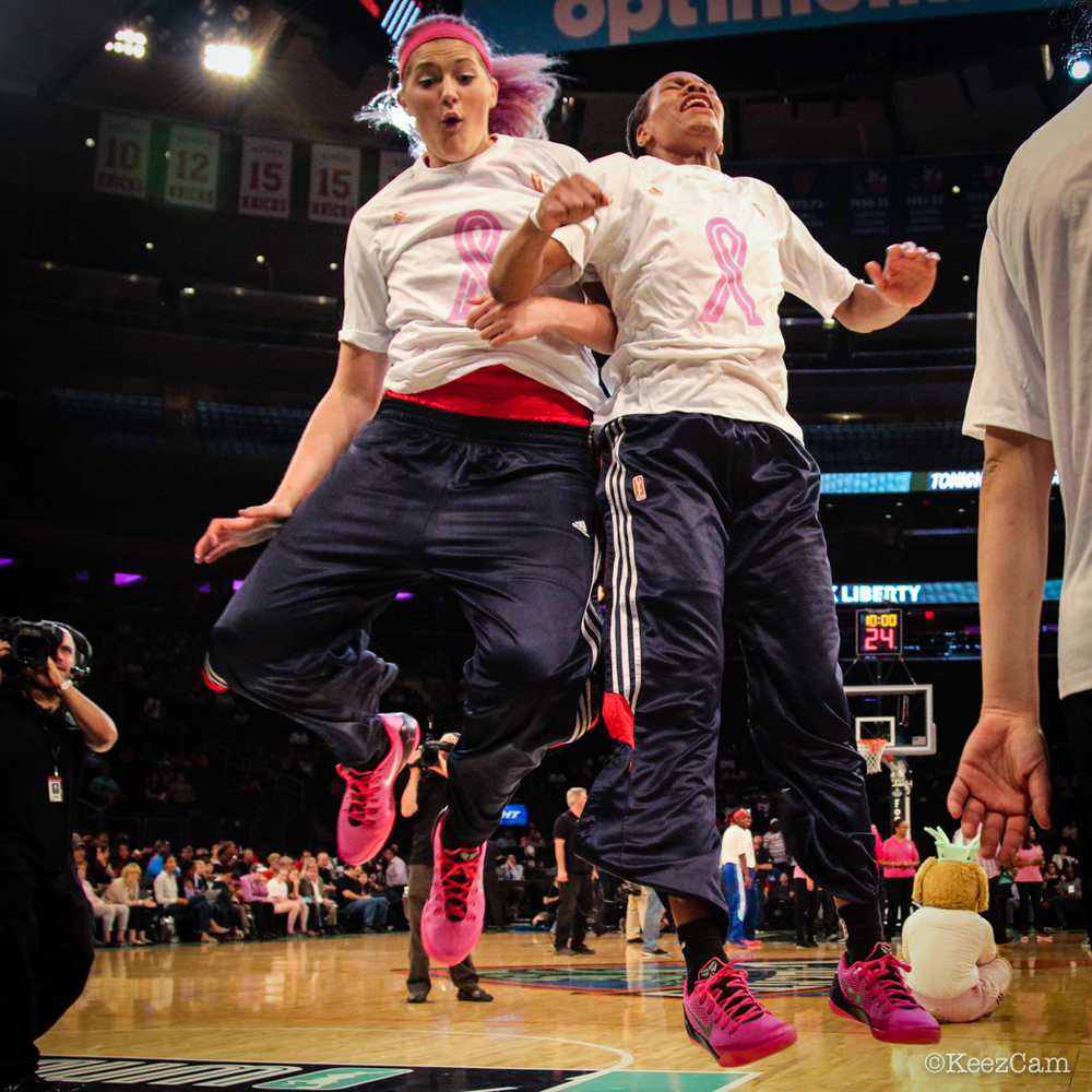 Stefanie Dolson & Monique Currie pumped before tip-off at the Garden