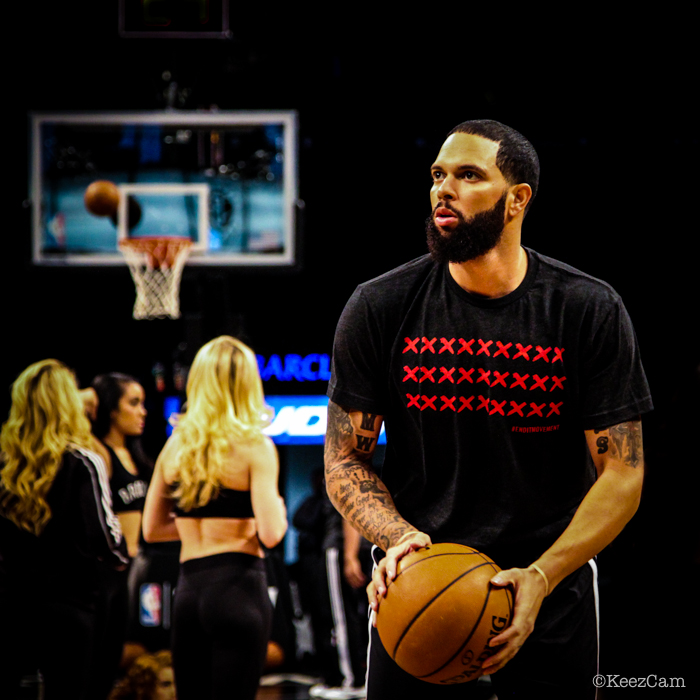 Brooklyn Nets General Deron Williams supporting the X End it Movement
