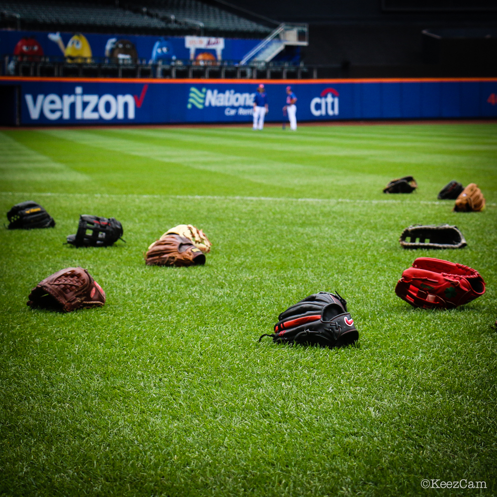 Washington Nationals pregame gloves