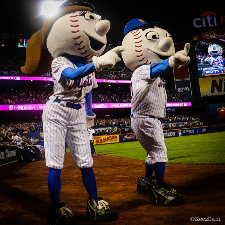 Ms. Met & Mr. Met