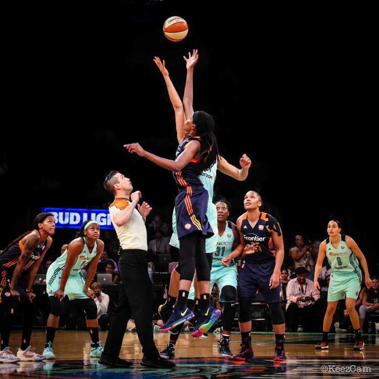 Connecticut Sun vs. New York Liberty tipoff