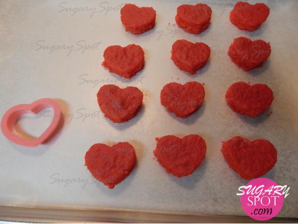 CupcakesSanValentinCorazonEscondido -12- SugarySpotPuntoCom-.jpg