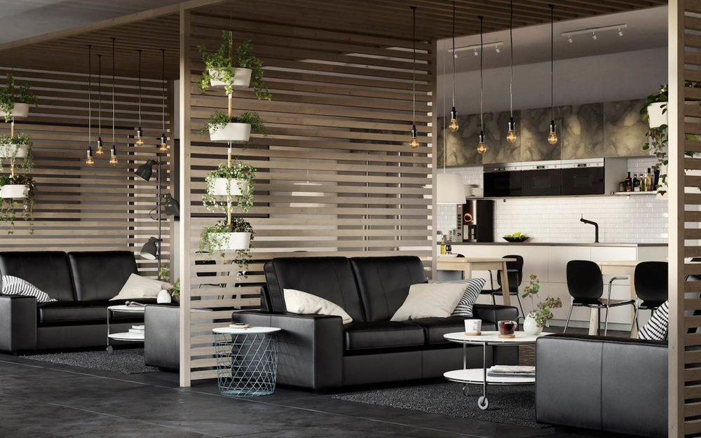Tilat voidaan jakaa kevyillä seinärakenteilla yksityisyyttä antamaan. Kuva: Ikea