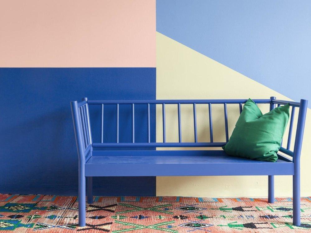 Jopa näin voimakasta värien käyttöä löytyy Tikkurilan Color Now -värikokoelmasta. Vahvoja vivahteita -90 luvulta. Kuva: Tikkurila