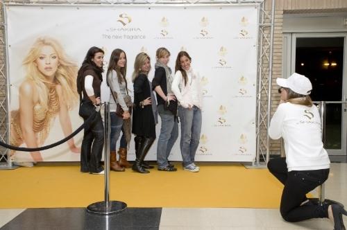 Photocall campaña Shakira Fragancia