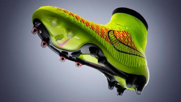Categoría de Productos   Magista, Nike  Estas botas de fútbol son las ganadores de esta categoría gracias a la  tecnología Flyknit . Unas botas diseñadas para mejorar el tacto con el balón y la comodidad gracias a su diseño ergonómico.