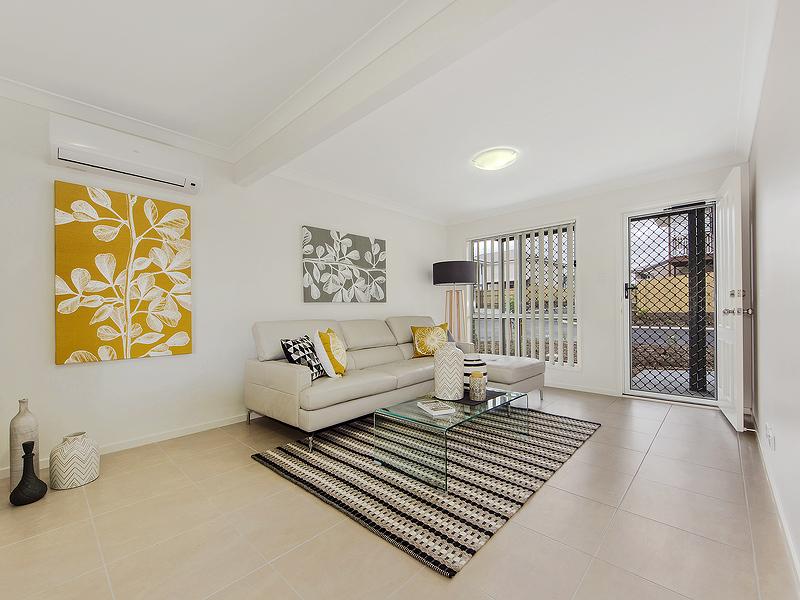 3 living area.jpg