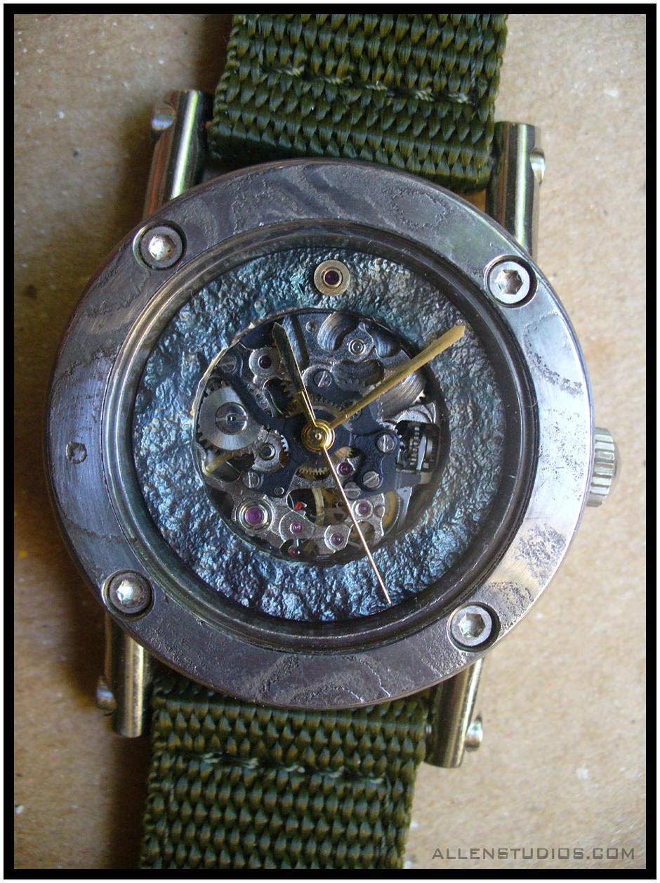 watch_01_dk.png
