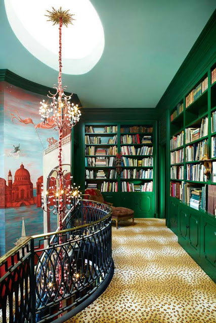If you like to read, this bookcase area would probably feel like the Land of Oz, don't you think??