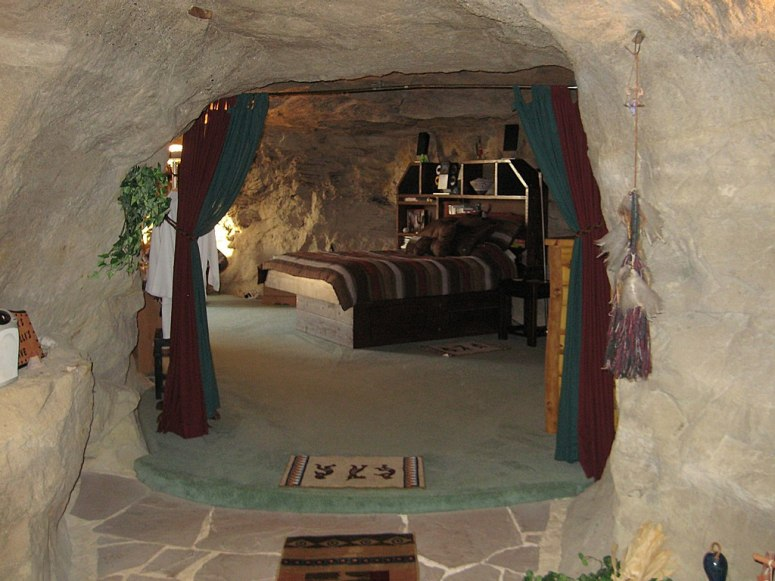 kokopellis-cave-hotel-new-mexico.jpg