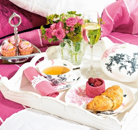 Breakfast-in-Bed-Pretty-Trayjpg