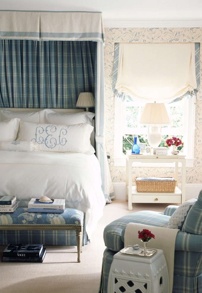 Ashley-whittaker-canopy-bedroom.jpg