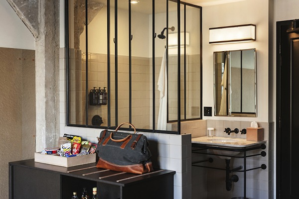Ace-Hotel-LA-Bathroom.jpg