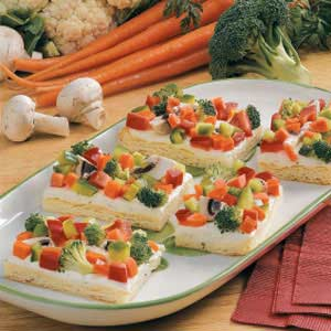 Veggie Pizza with Crescent Roll.jpg