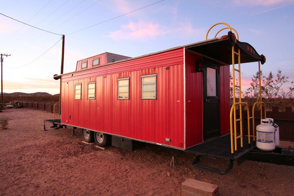 Hicksville Caboose.png