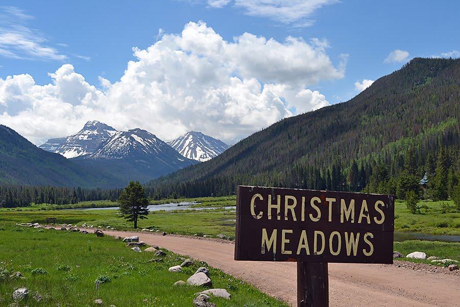 cabin-christmas-meadows-sig.jpg