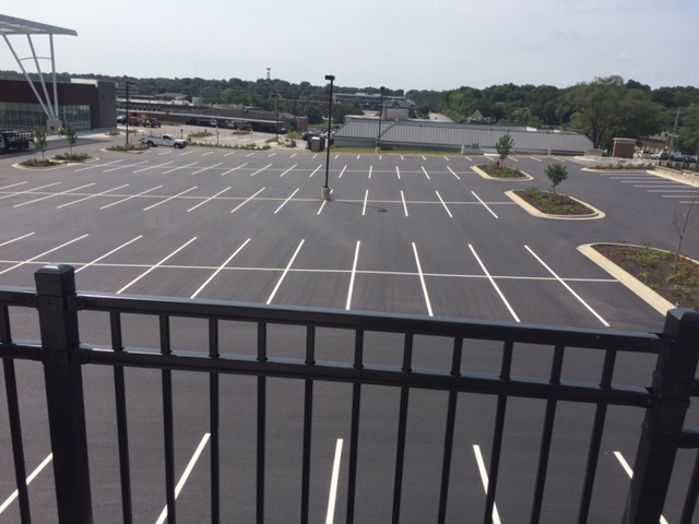 parking-lot-striping-kansas-city.jpg