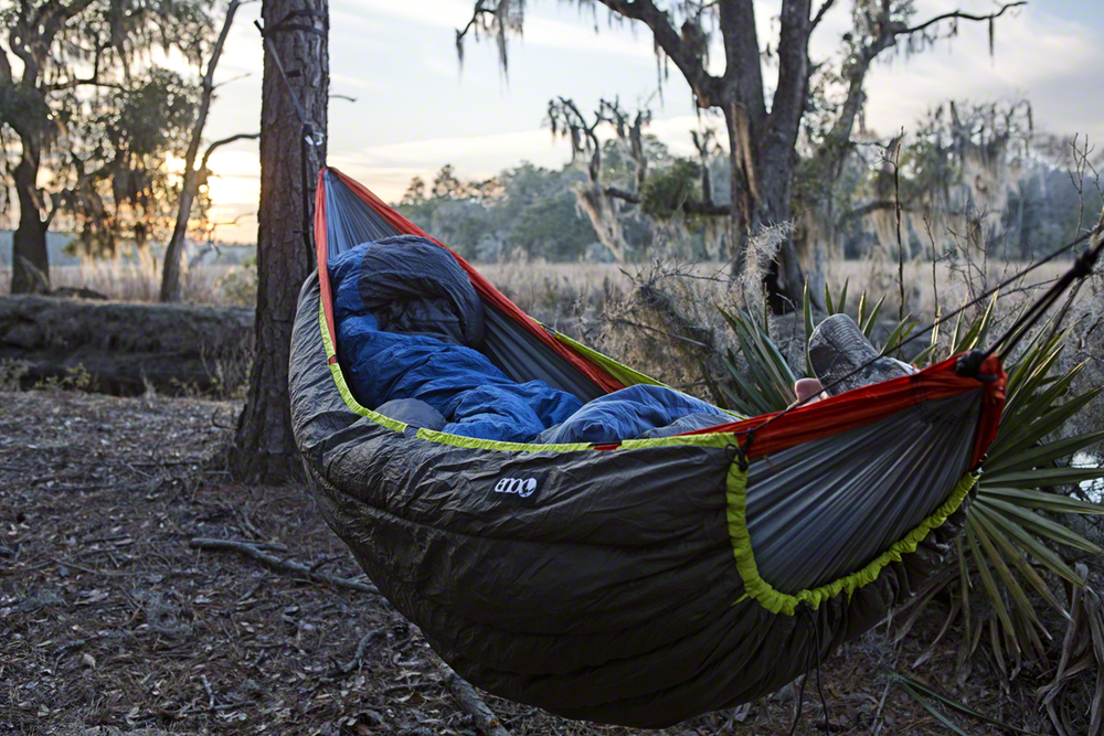 my bed for the night, brandy new blaze under quilt thanks to my friends at ENO.  this sucker will keep ya toasty down to 30 degrees, which greatly lengthens my hanging season.  i had to kick anthony out after a while….