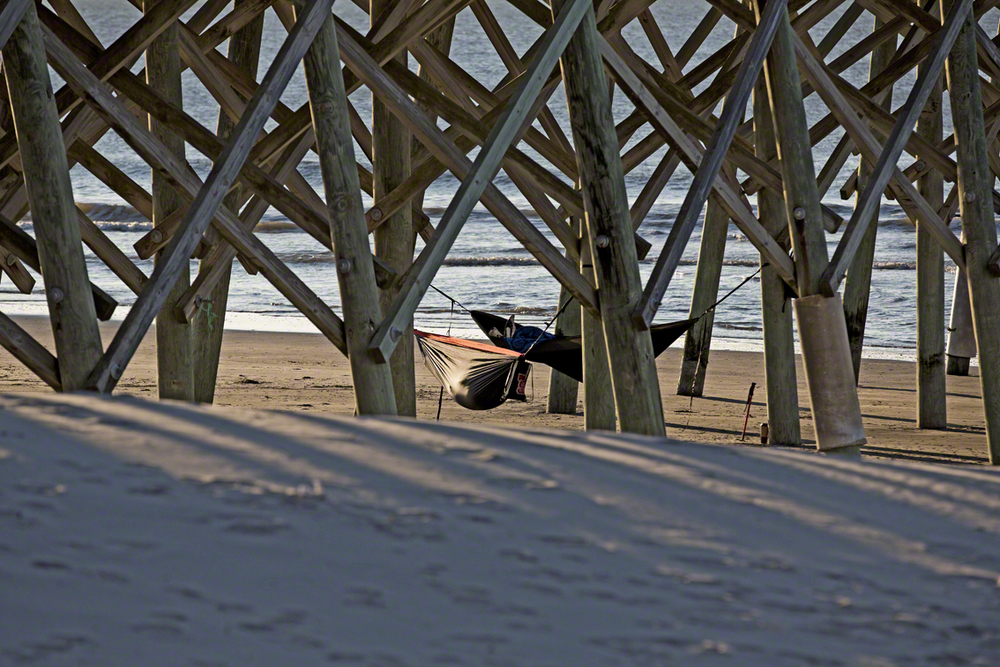 fellow hammockers under folly pier on a 40 degree morning, they must have been freezing.