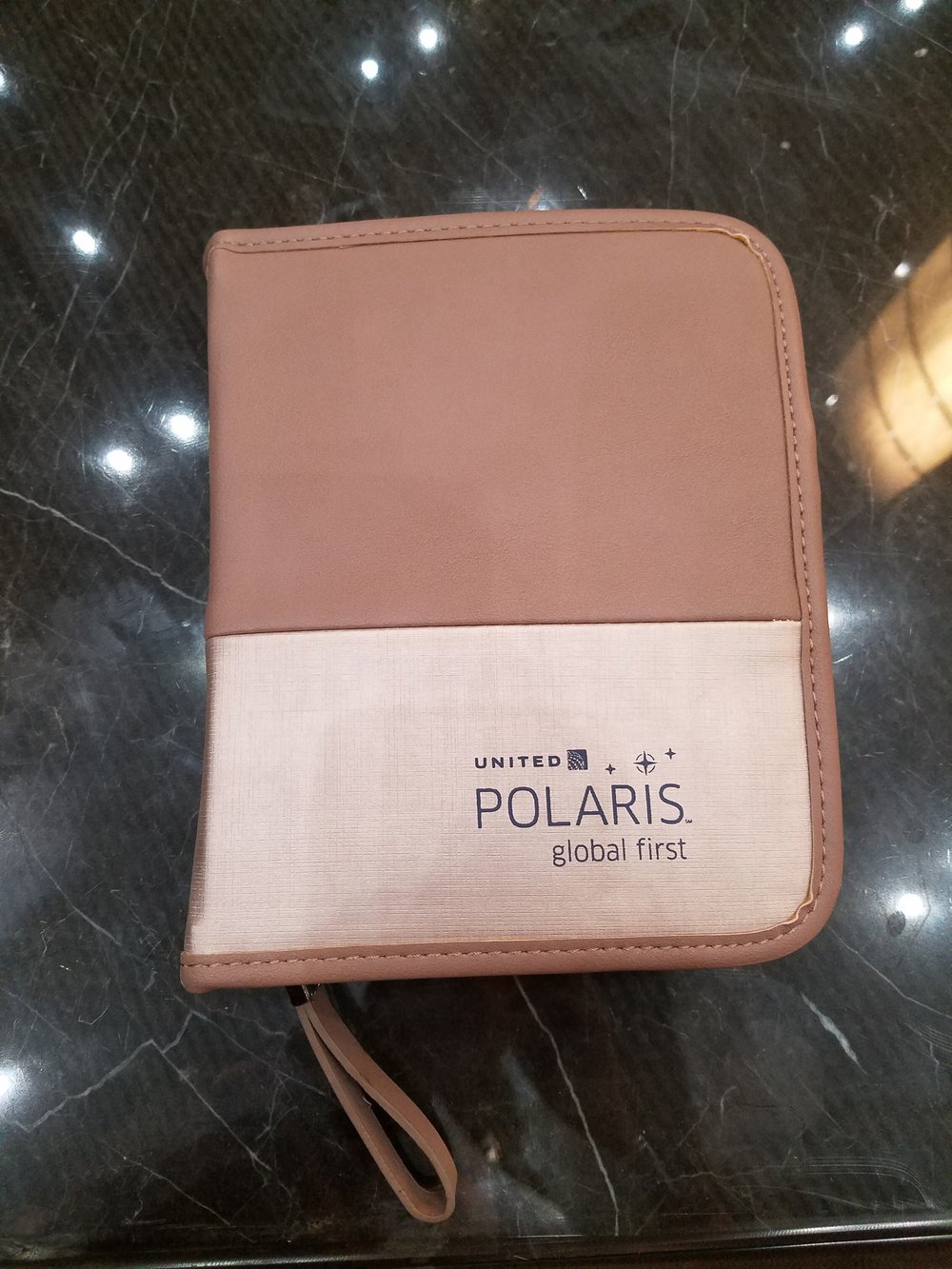 United Polaris Toiletry Kit