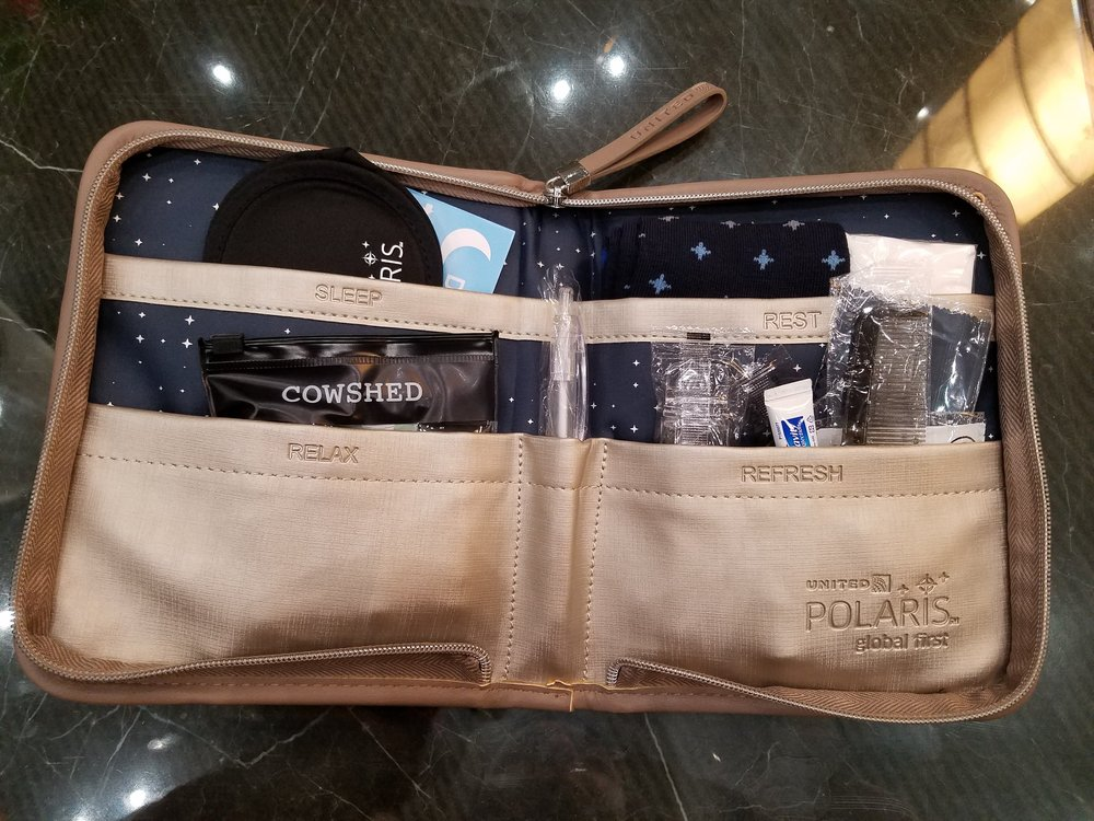 United Polaris Open Toiletry Kit