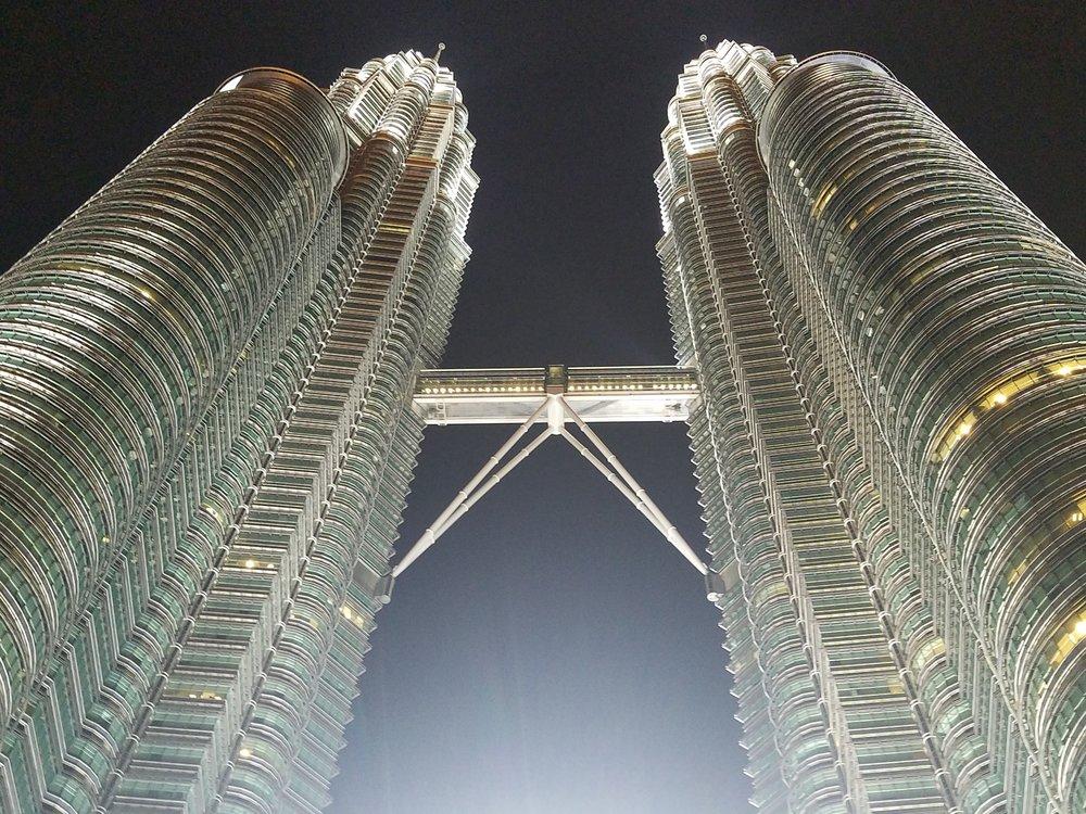 Patronas_Towers_Backpacktheglobe_Malaysia_Kuala_Lumpur.jpg