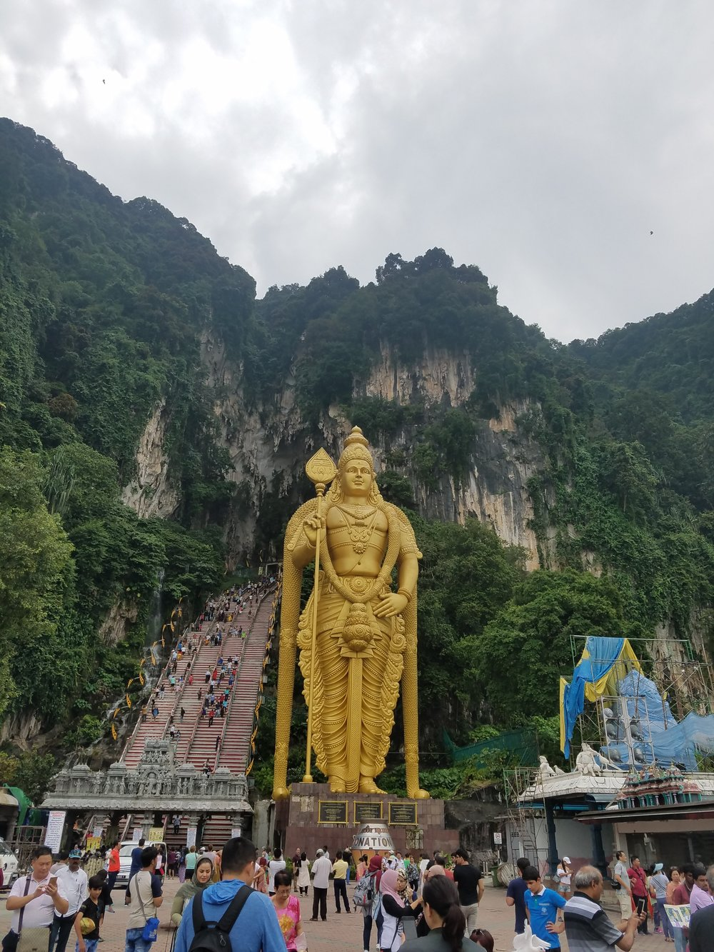 Malaysia_Kuala_Lumpur_Batu_Caves_Backpacktheglobe.jpg