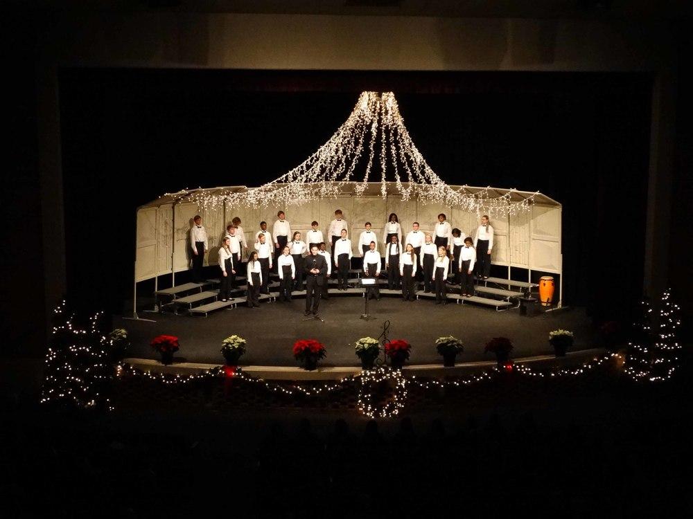 Dec8 ChorusChristmasConcert01.jpg