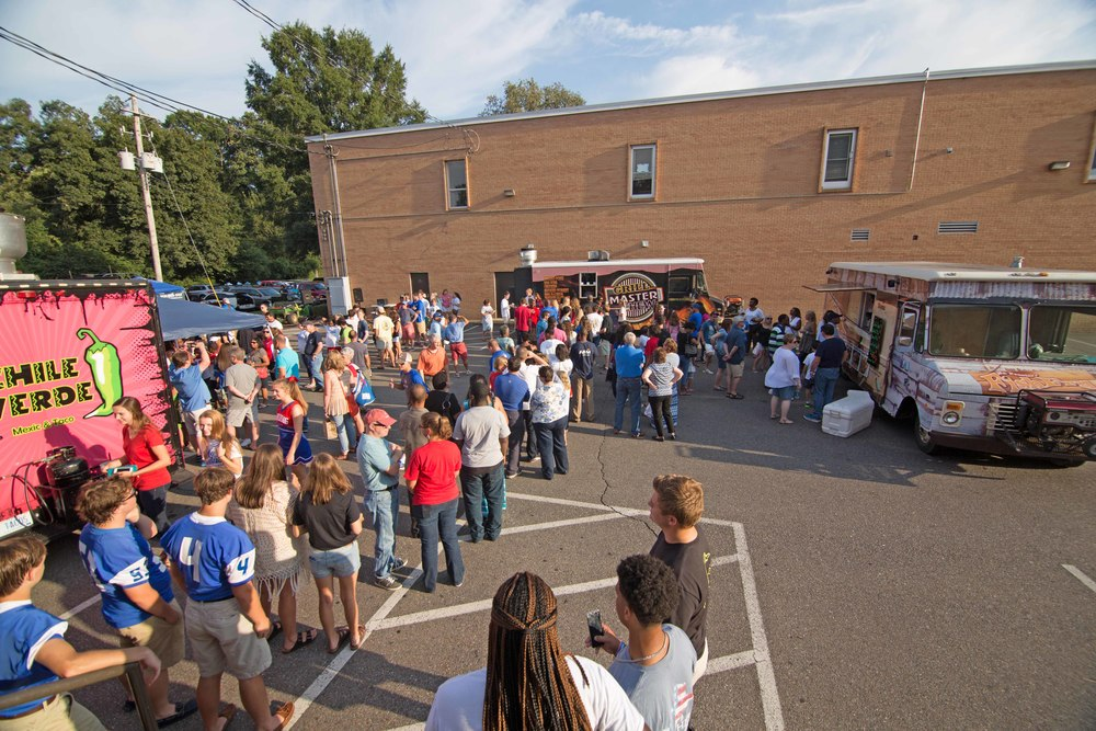 2015aug14 BacktoSchoolBash01.jpg