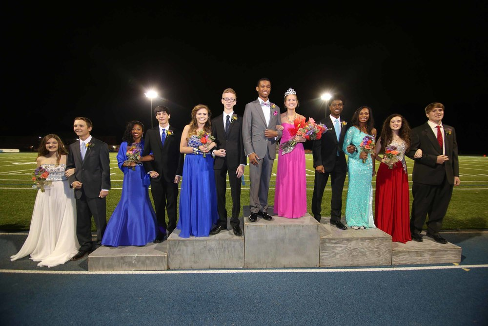 (L-R) Freshmen Baytes-Gabriel Jordan and Reed Hicks; Juniors Qiera Bentley and Quinn Murry; Seniors Madison Morat and Justin Long; Seniors Queen Karli Williamson and Tyrique Liddell; Seniors Cami Bea Austin and Tim Taylor; Sophomores Leigh McWilliams and Jack Wakefield.