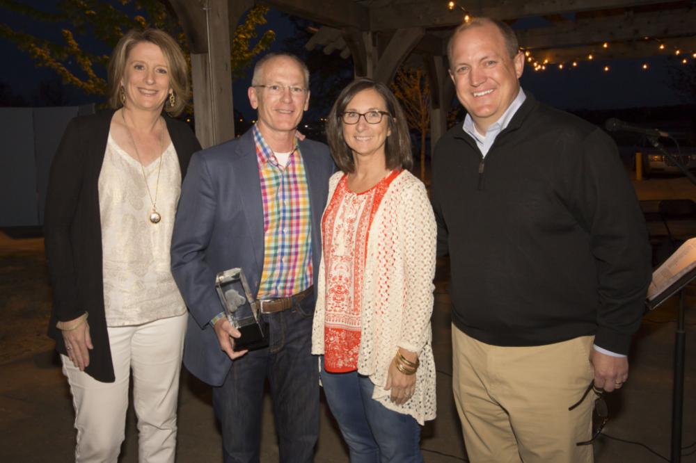 Esprit de Corps award: Don Nickleson Read more>>>