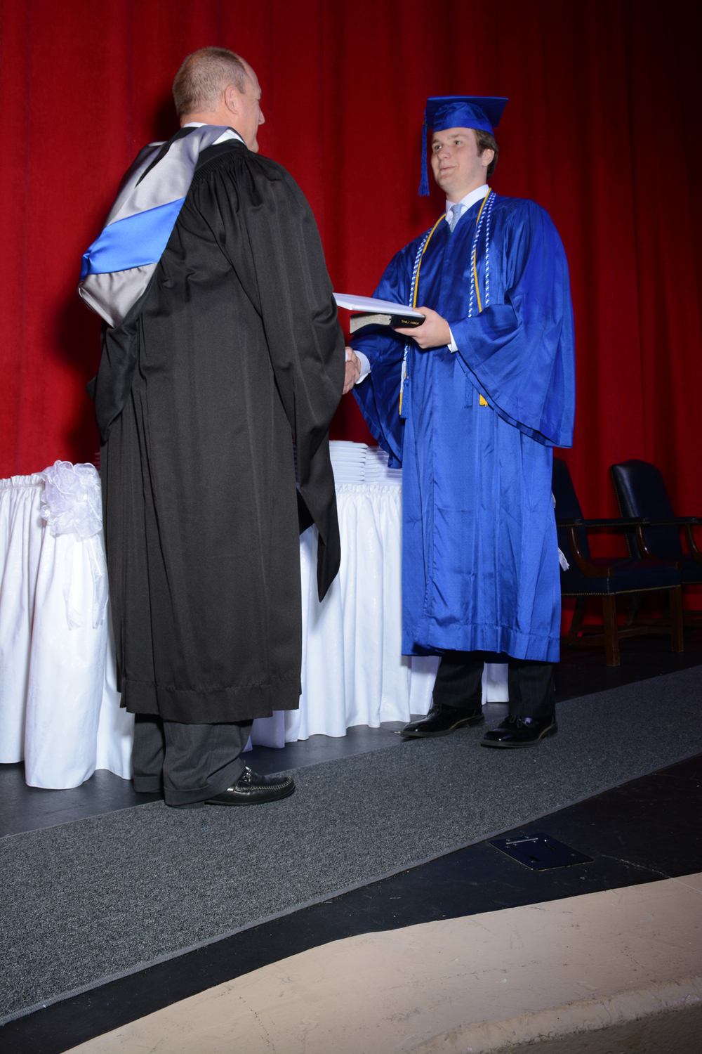 May16 GraduationPhotos34.jpg