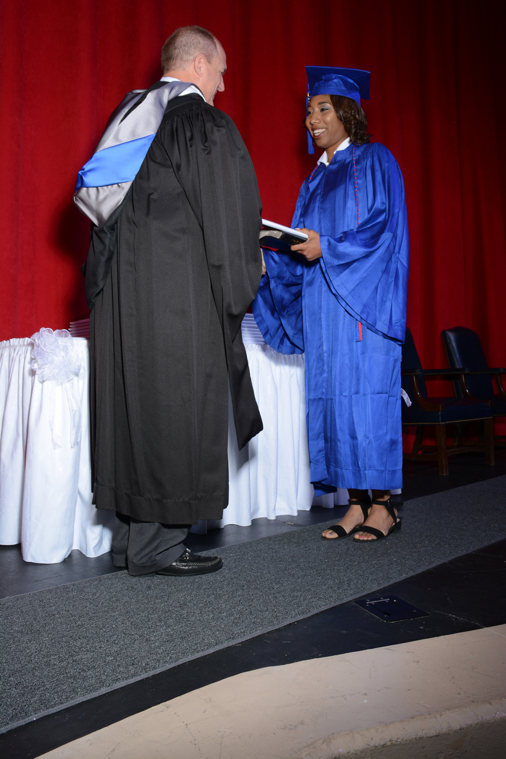 May16 GraduationPhotos36.jpg