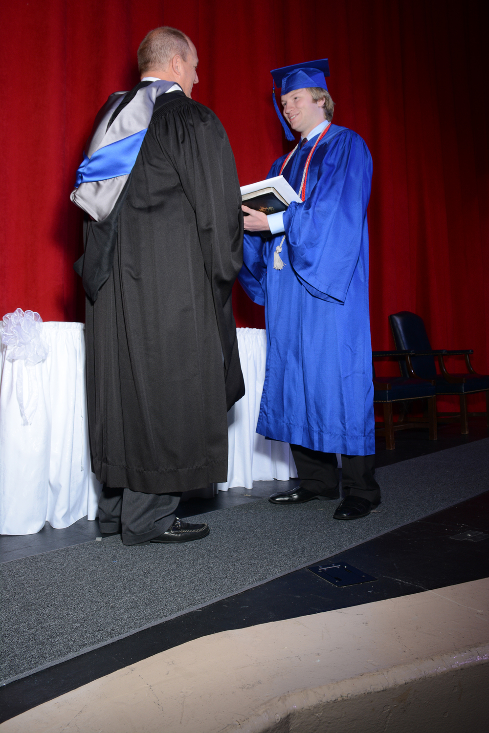 May16 GraduationPhotos204.jpg