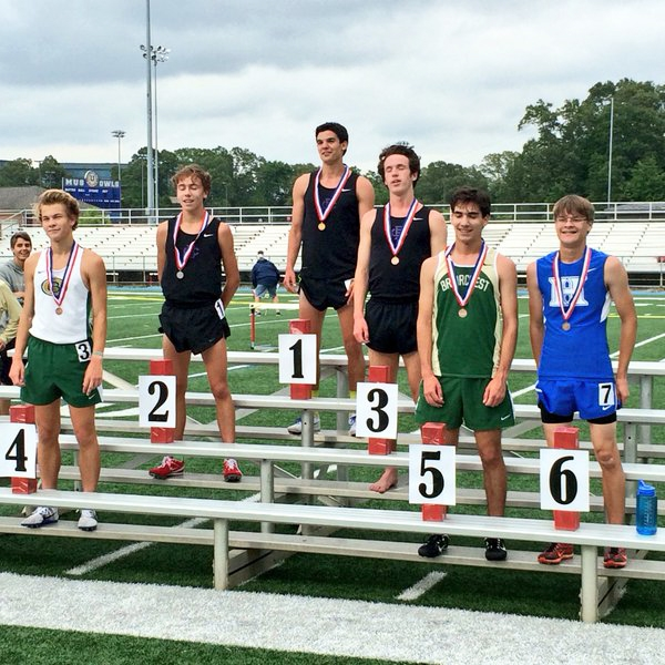 Josh Hinkle finished 6th in the 3200.