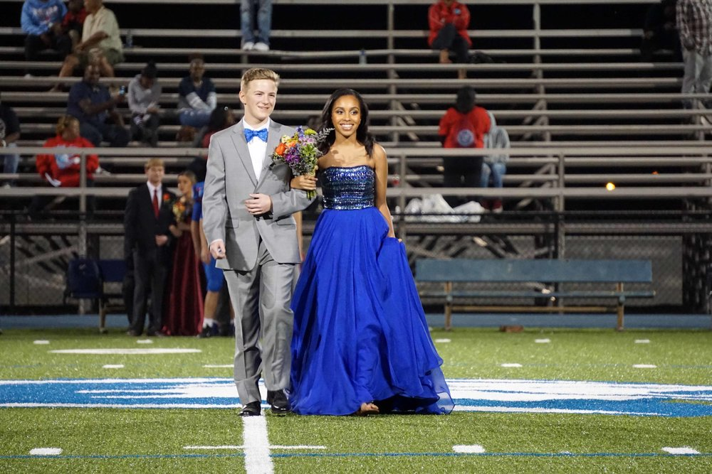 Sept30 HomecomingCourt&JUGGaward01.jpg
