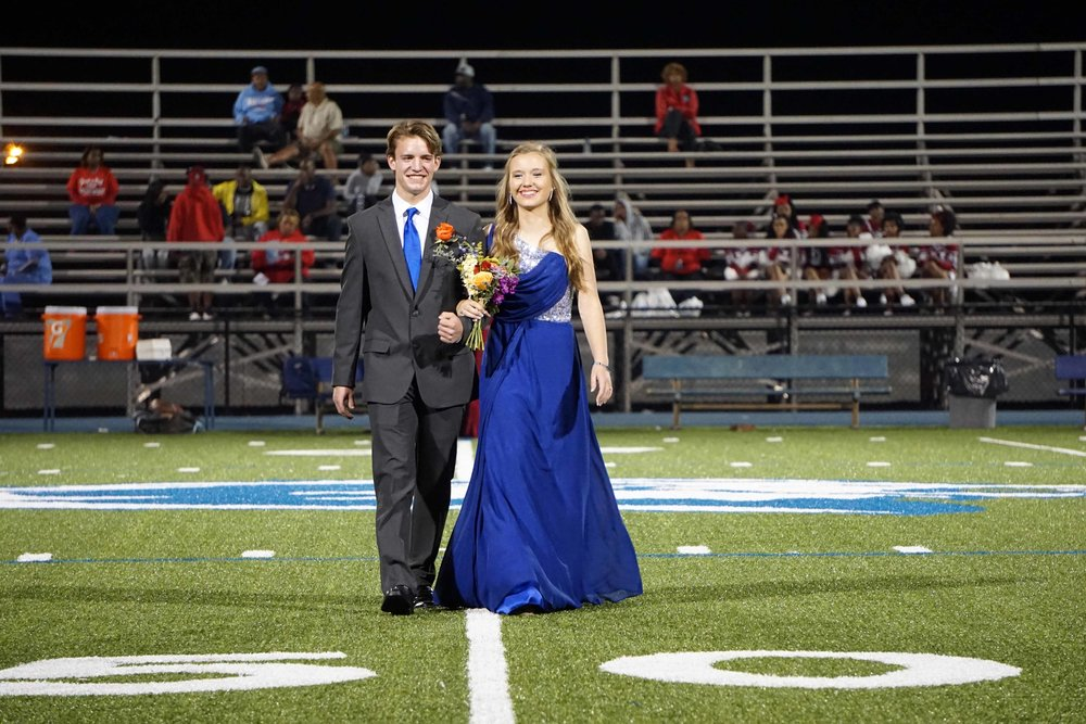 Sept30 HomecomingCourt&JUGGaward07.jpg