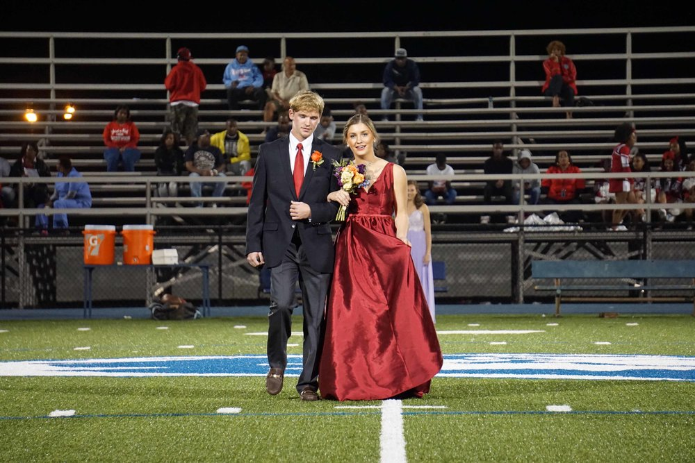 Sept30 HomecomingCourt&JUGGaward16.jpg