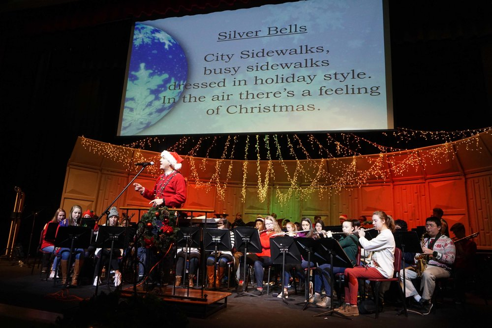 Dec9 SWE Sing-along04.jpg