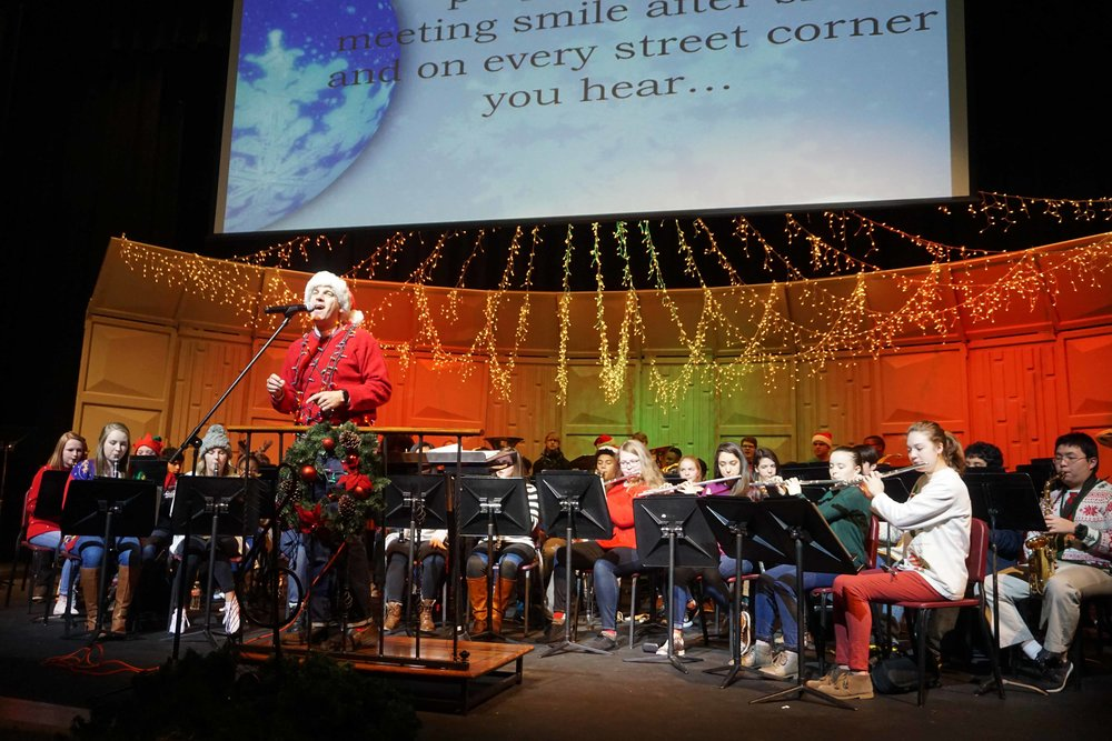 Dec9 SWE Sing-along05.jpg