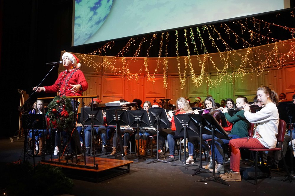Dec9 SWE Sing-along06.jpg