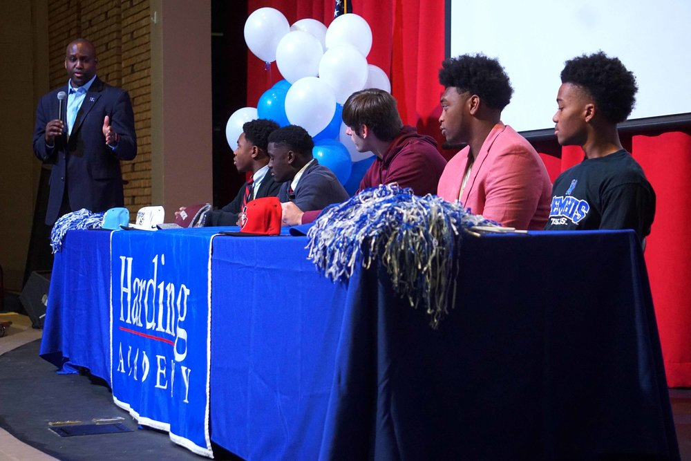 Feb1 NationalFootballSigningDay04.jpg